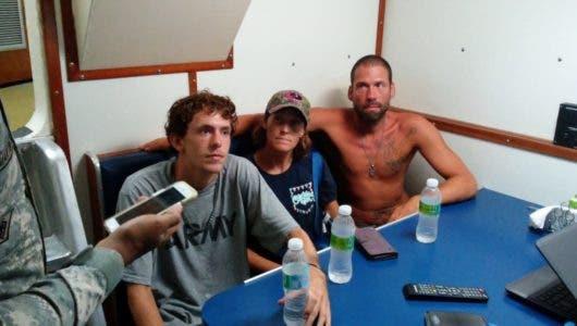 Armada rescata con vida a tres ciudadanos norteamericanos en altamar