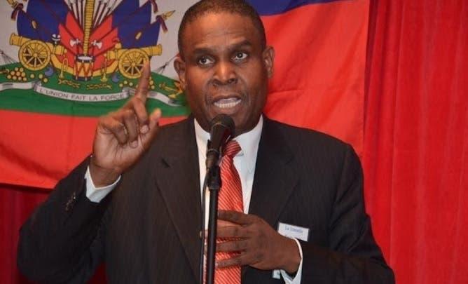 Diputados haitianos aprueban moción de censura en contra del primer ministro