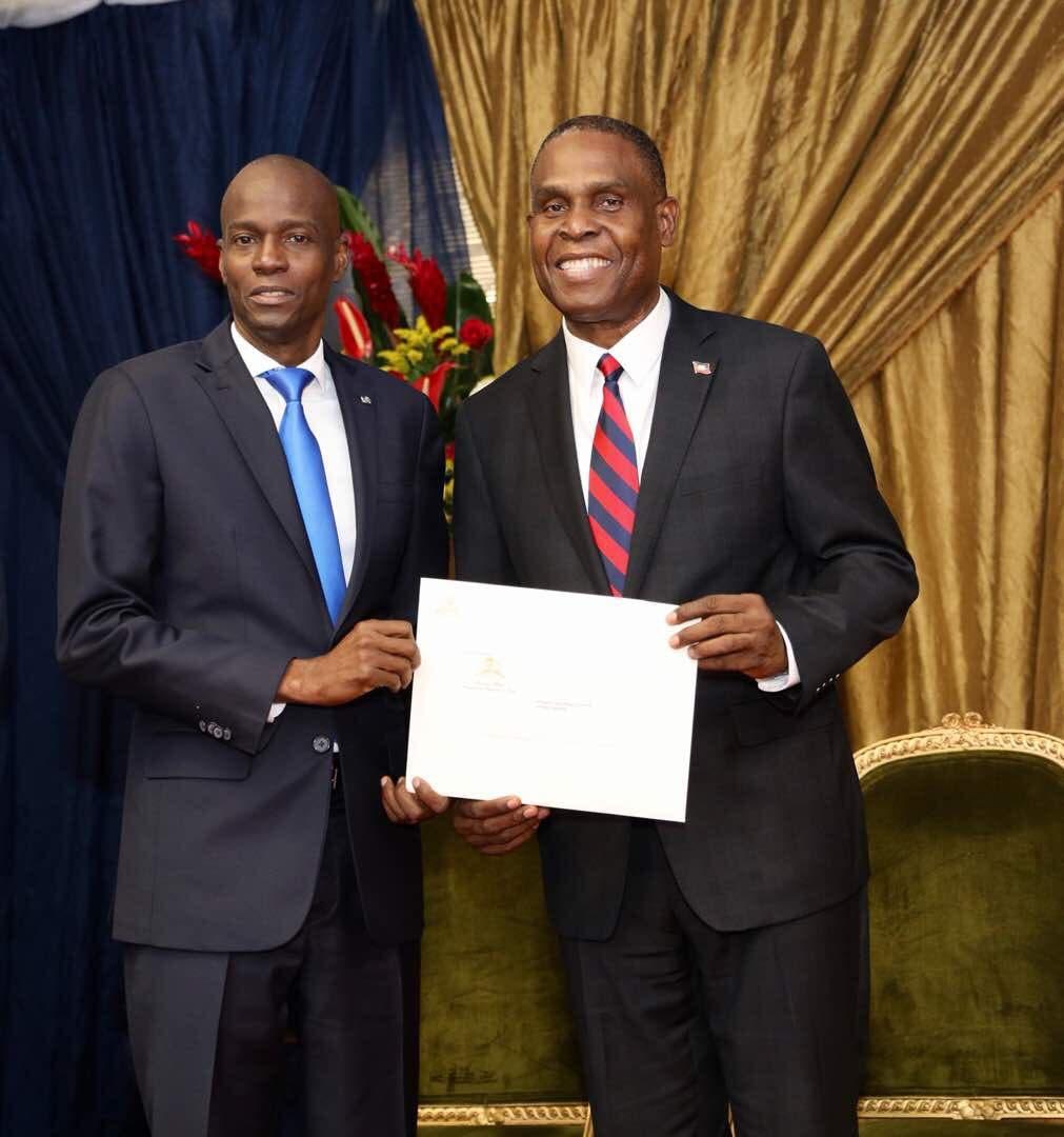 El designado nuevo primer ministro de Haití anuncia su gabinete