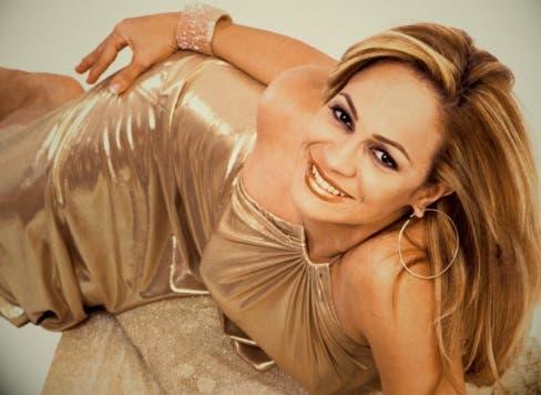 "La ""Diva del Merengue"" Miriam Cruz  lanza el tema ""Sola»"