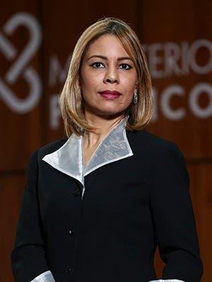 Maura Altagracia Martínez Procuradora General de Corte de Apelación Titular de la Procuraduría Especializada contra el Tráfico, Porte y Tenencia Ilegal de Armas.
