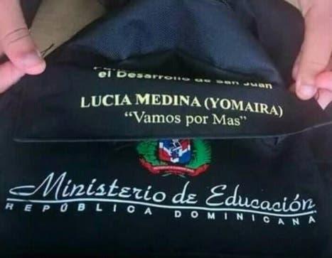 Empresa suplió mochilas a Lucía Medina tiene contrato para entregar 32,000 unidades
