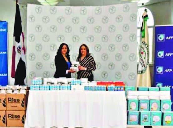 Nathali María, del Conape, y Adela Báez, de AFP Popular.