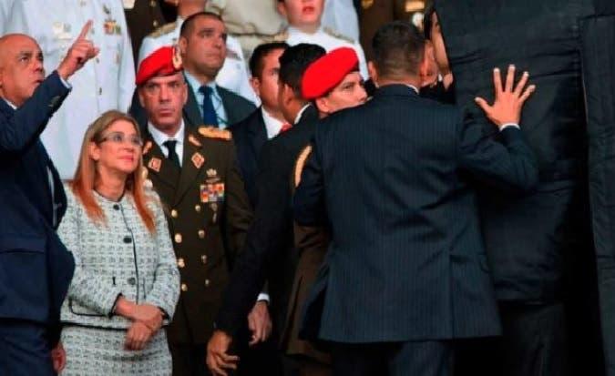 Maduro denuncia nuevo «complot» de un general retirado estaría moviéndose entre Miami y RD