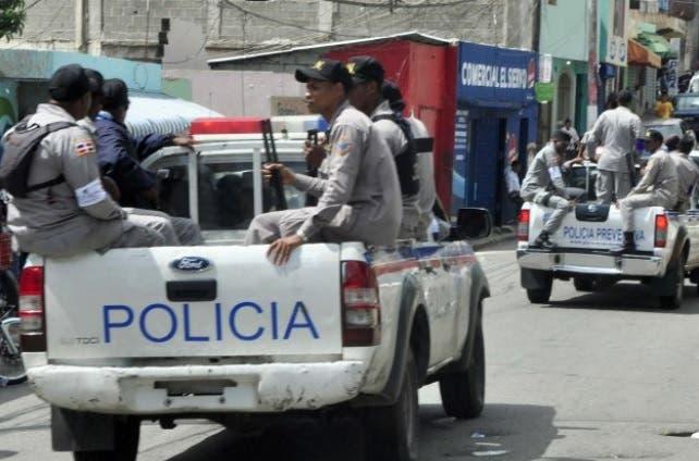 Video: Policía apresa dos miembros de presunta banda atraca bancas en Puerto Plata