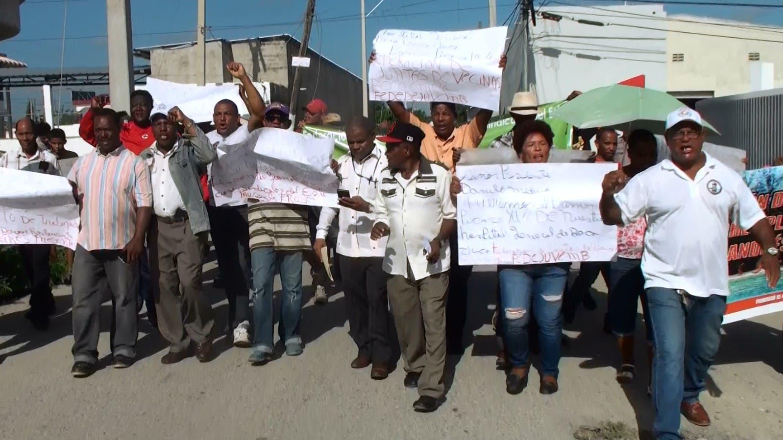 Residentes de Boca Chica se movilizan por construcción de hospital que Danilo prometió