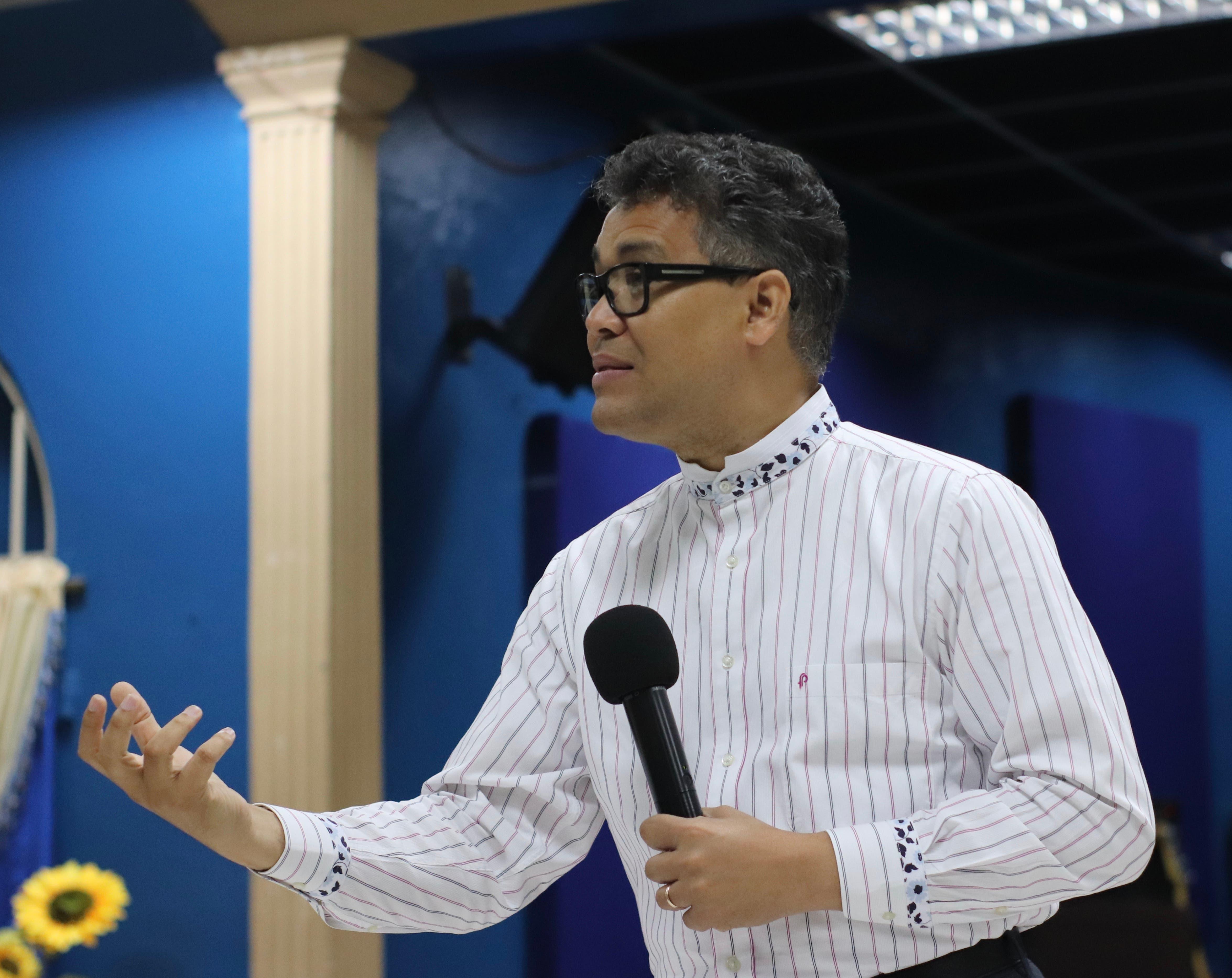 Peña afirma democracia no sirve sin separación real de poderes del Estado