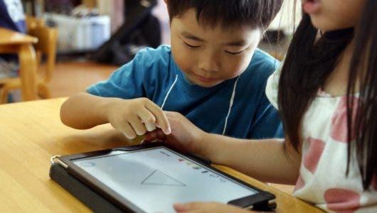 Más de dos horas de pantalla al día son perjudiciales para los niños, afirma investigación