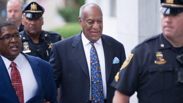 Bill Cosby entra a Corte de EEUU a la espera de sentencia por agresión sexual