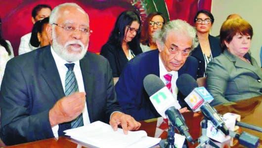 Médicos y clínicas acusan a Sisalril asociarse a ARS