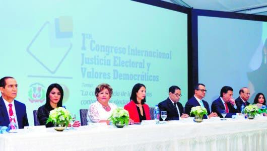 Presidente  TSE  pide reformar  Ley Orgánica para fortalecerlo