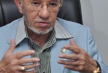 Senador Aristy Castro se queja por  apagones La Altagracia