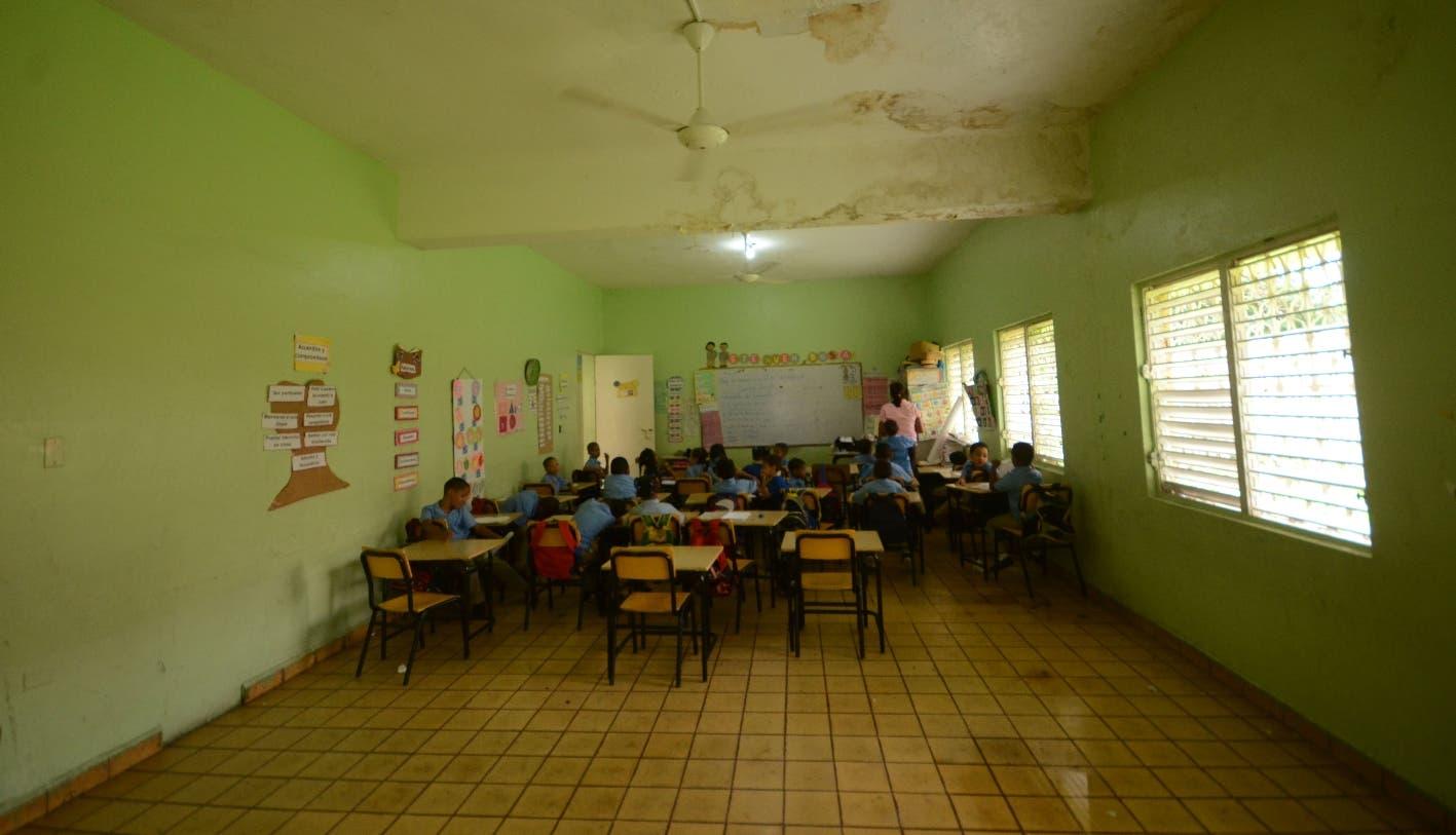 Deterioro  escuela básica Santa Teresa preocupa a los  docentes
