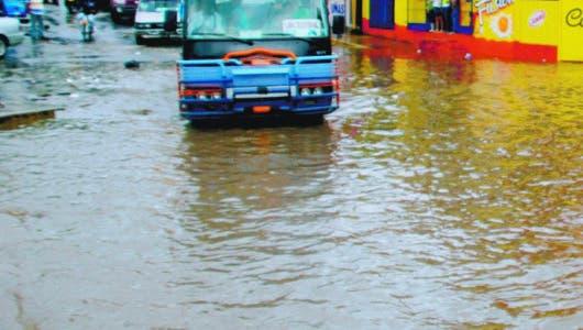 Seguirán aguaceros; COE mantiene a 12 provincias en alerta