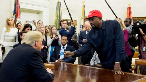 Kanye West se reúne con Trump y le dice que le hace sentir «como Supermán»