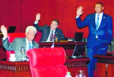 A  comisión Ley de Comercio Marítimo