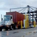 El Pais.equipos detectores de materiales de radiación, instalados en Puerto caucedo.jpg