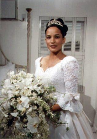 6. Se hace en honor a Gladis Ricart, asesinada a tiros por  su ex novio el mismo día de su boda en la ciudad de Nueva York