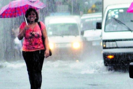 Siguen lluvias;  hay en alerta 11 provincias