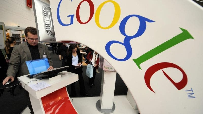 A visitor checks out Google's Book Search site at the Google stand of the Frankfurt Book Fair on October 15, 2008. Turkey is  guest of honour at the 60th edition of the book fair, which takes place from October 15 to 19, 2008.  AFP PHOTO / JOHN MACDOUGALL