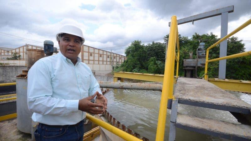 manuel Orozco Durante una reportaje en la Zona Industrial Haina. Santo Domingo Rep. Dom. 17 d octubre del 2018. Foto Pedro Sosa