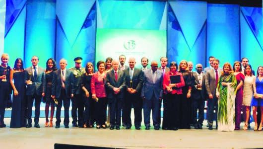 Entregan Premios Fundación  Corripio; reconocen labor
