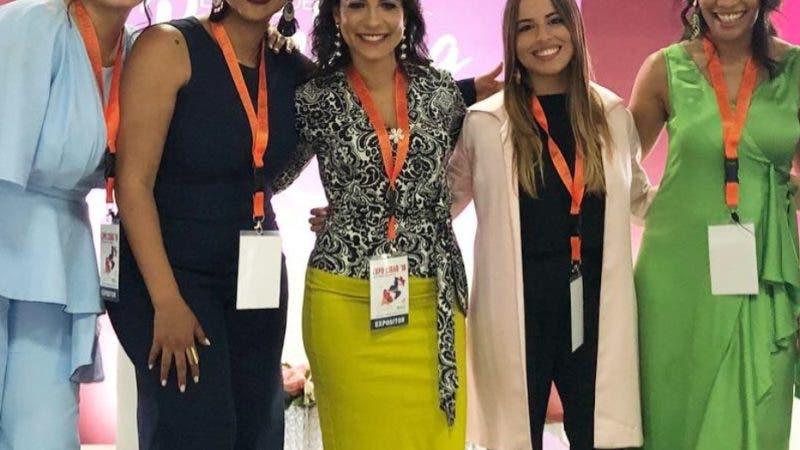 """Rostros. Alrededor de 700 personas participaron de la conferencia """"Mujer Emprende tu Branding"""", a cargo de Julissa Núñez, en la que enfocó una nueva mirada de la mujer para que pueda aprender a contar su historia para salir del anonimato e inspirar a otras con su propia transformación."""