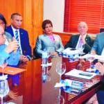 """La Comisión Permanente de Seguridad Social, Trabajo y Pensiones del Senado, se reunió este martes  con  la Asociación Dominicana de Administradoras de Fondos de Pensiones (ADAFP), representantes del sector sindical, y de las AFP, en el marco del estudio del   proyecto de modificación de la ley 87 01 que crea el Sistema Dominicano  de Seguridad Social. El presidente de la Comisión, José Rafael Vargas, explicó que para agilizar los trabajos,  fue divido el proceso en dos fase; """"estamos iniciando con el régimen de pensiones,   en primer lugar, estamos escuchando a la presidenta ejecutiva de ADAFP, Kirsis Jáquez,  y luego escucharemos a los demás sectores.  Hoy/Fuente Externa  16/10/18"""