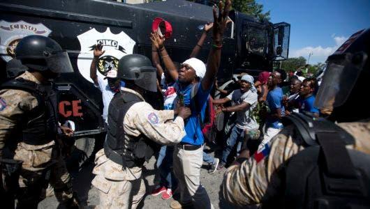 Al menos dos muertos y decenas de heridos durante protestas en Haití