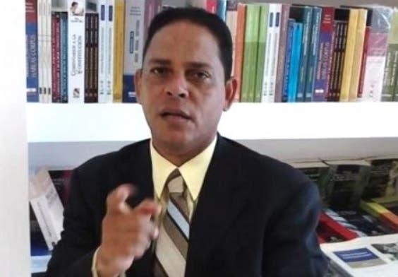 Reverendo ve insulto a evangélicos medidas del MEPyM contra entidades