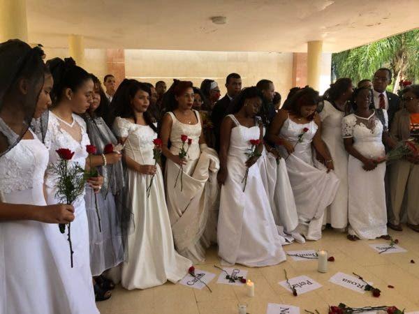 4. Marcha de las Novias en contra de la violencia a la mujer en la UASD