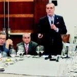 El aspirante presidencial del Partido Revolucionario Moderno (PRM) Luis Abinader expone sobre el agua