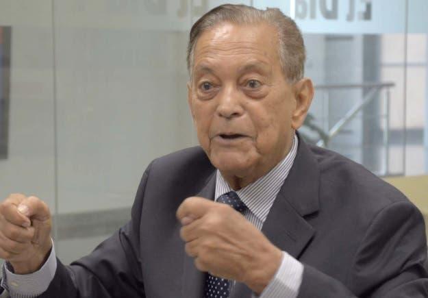 Operan a ex director Bellas Artes Franklin Domínguez tras sufrir caída