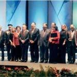 Los galardonados junto a representantes de la Fundación Corripio y la familia Corripio Alonso/Iluminada Paulino