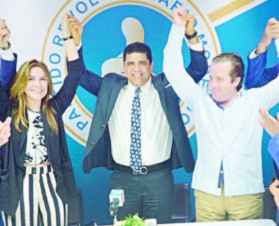 José Paliza y Carolina Mejía hicieron encabezaron juramentación
