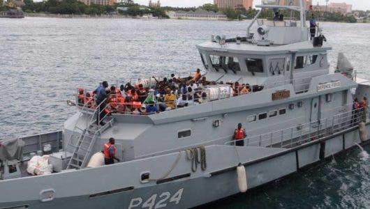 Pescadores dominicanos detenidos en la Bahamas deberán pagar 52 mil dólares y pasar seis meses en prisión