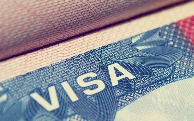Mujer estafó 2 millones de pesos prometiendo gestionar visa de trabajo hacia Holanda