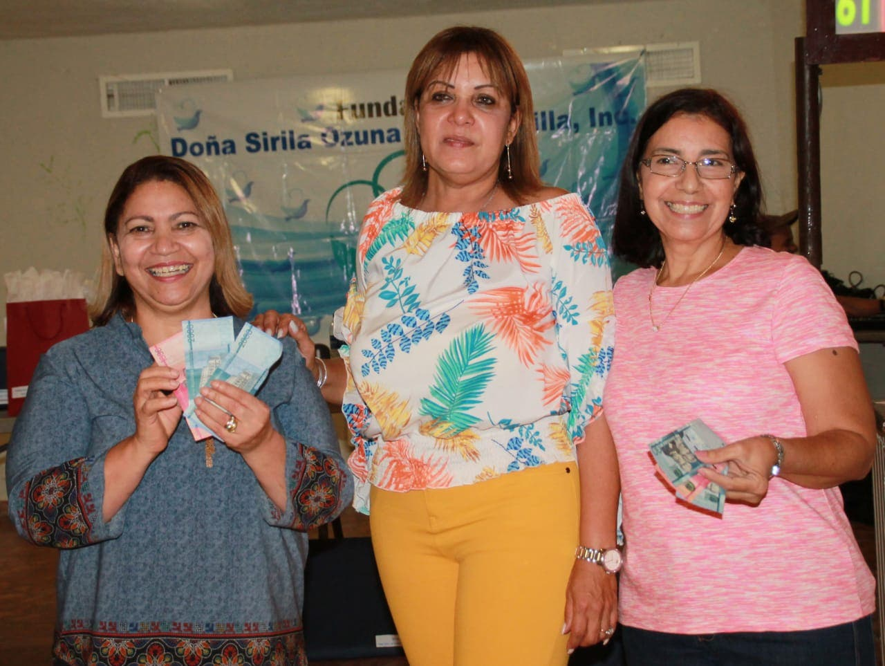 Fundación  Sirila  Ozuna realiza «Bingo Benéfico» para cenas navideñas