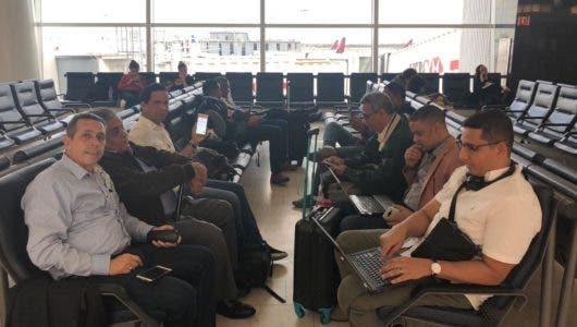Periodistas salen hacia China donde darán cobertura a visita del presidente Danilo Medina