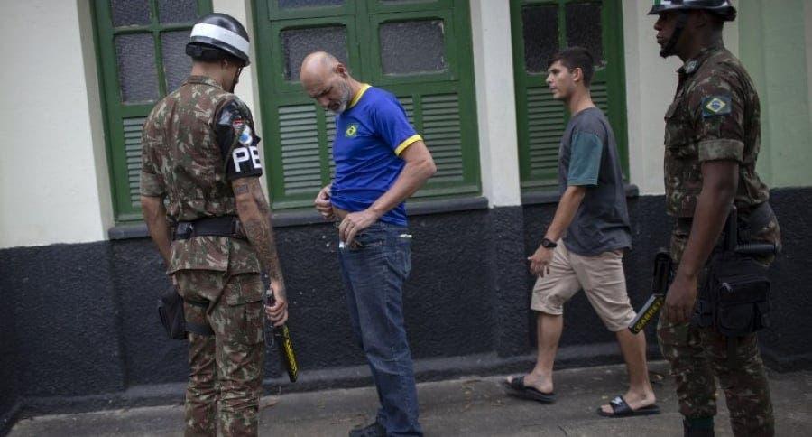 Al menos 17 detenidos en las dos primeras horas de las votaciones en Brasil
