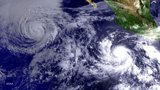 Willa se convierte en huracán de categoría 5 frente a México