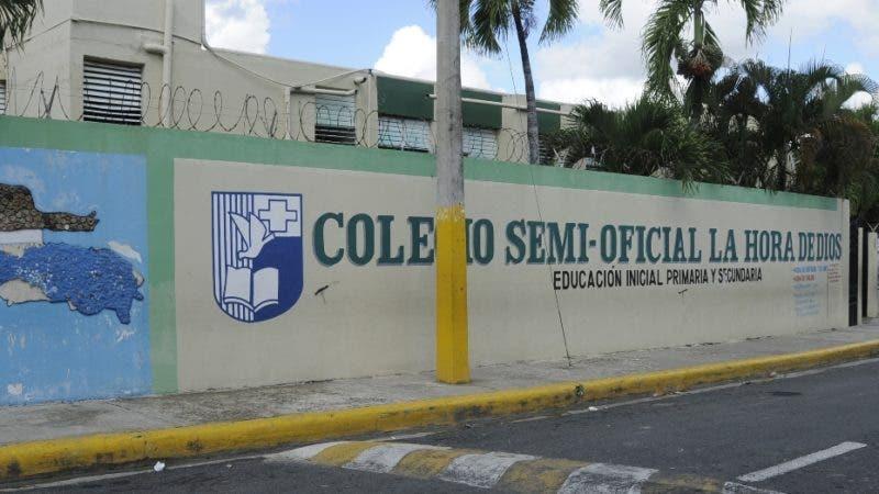 Fachada del colegio semi-oficial La Hora de Dios. HOY/ Aracelis Mena.