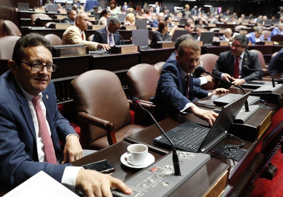 Diputados convierten en ley Presupuesto General del 2019  por RD$ 921 mil millones