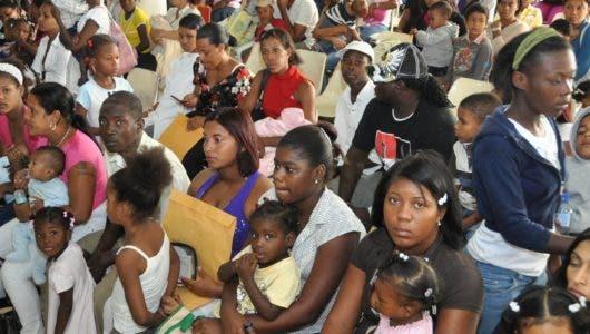 Clínicas  y hospitales llenos de niños enfermos  por  virus gripal