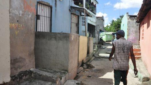 El Caliche de Villa Duarte, la   otra cara del  crecimiento económico