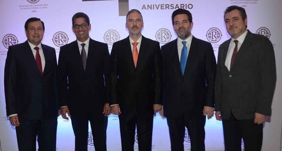ron. Principal: Adriano Bordas, Augusto Ramírez, Mario Pujols, Alex Báez y Alberto  Nogueira.
