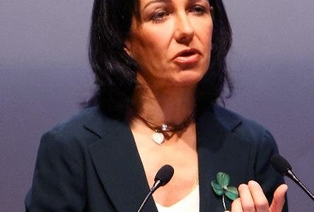 A file picture shows Banesto Bank Executive Chairman Ana Patricia Botin as she gestures during a press conference to give 2007 results in Madrid, 11 January 2008.  Ana Patricia Botin was appointed by Spanish-owned bank Santander UK as its new chief executive on November 3, 2010 after its former head was poached by Britain's state-rescued Lloyds bank.     AFP PHOTO/JAVIER SORIANO.