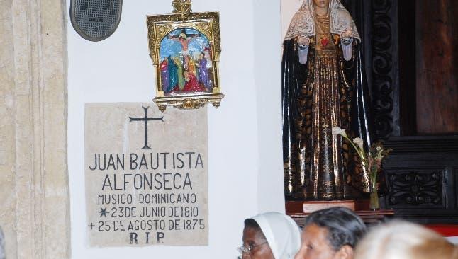 Cápsulas genealógicas  Monumentos necrológicos: la iglesia del Carmen