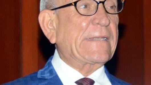 Calderón asegura Ejecutivo no aprueba sin hacerlo Congreso