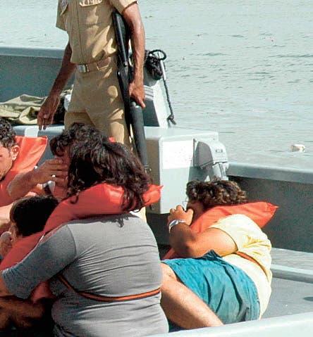 Armada apresa grupo iría ilegal a  PR